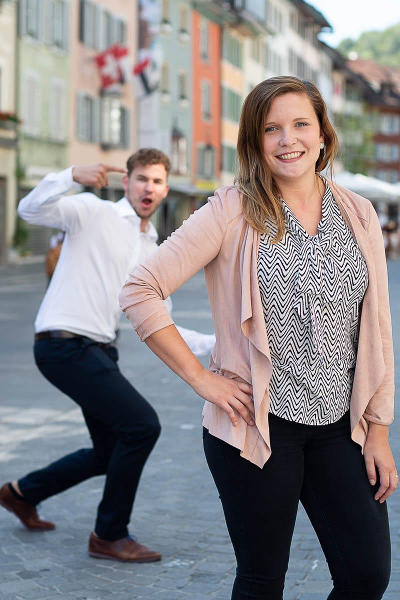 Simon und Lisa auf den Strassen von Baden