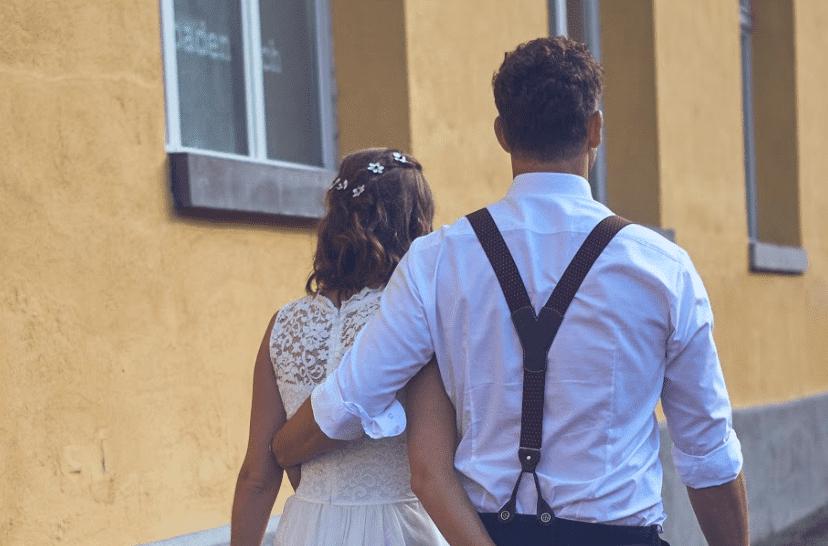 Simon und seine Frau an ihrer Hochzeit