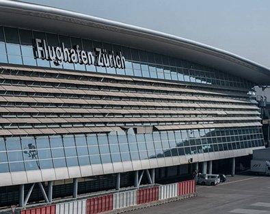 Aussenansicht Flughafen Zürich Gebäude